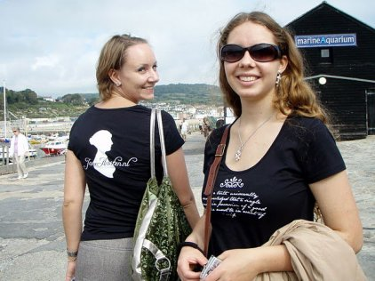 Walking on the Cobb, Lyme Regis - Jaunt with Jane