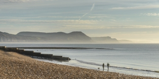 Early morning sunlight over Lyme Bay from Front Beach, Lyme Regis 23_11_15-2 (1000px)