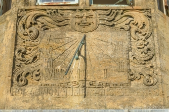 The sundial on Sundial House, Lyme Regis 22_11_15 (1000px)